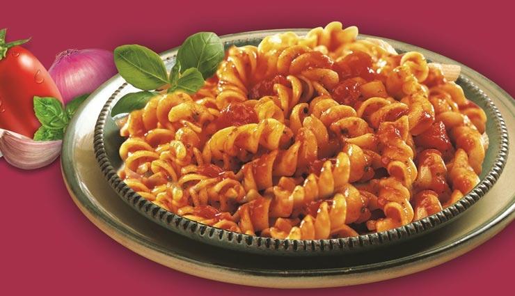 घर पर ही बनाए रेस्टोरेंट जैसा इटालियन पास्ता इन रेड सॉस #Recipe