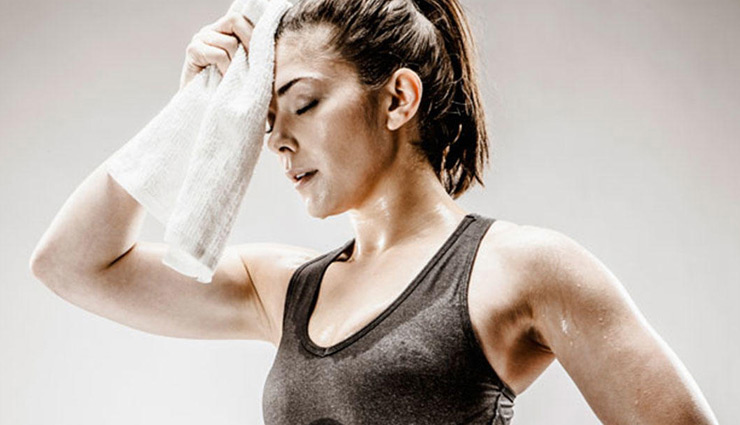 sweat smell,home remedies for sweat smell,skin care tips ,पसीने की बदबू का इलाज, घरेलू उपाय, त्वचा की देखभाल, शरीर की बदबू से निजात