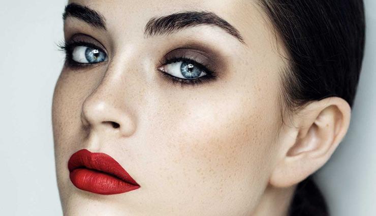 भोहों की सुंदरता बढ़ाती है आपकी आँखों का आकर्षण, इसे पाने के लिए आजमाए ये तरीके
