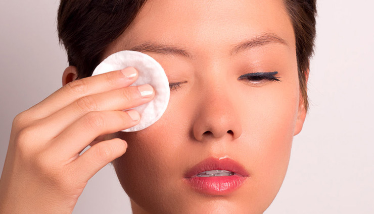 3 Products From Your Dressing That Can Be Used To Remove Eye Makeup