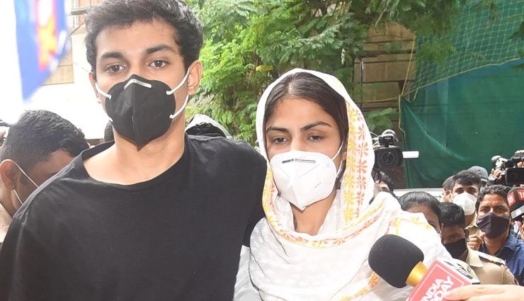 ड्रग्स केस में शोविक चक्रवर्ती और सैमुअल मिरांडा की आज कोर्ट में पेशी, दीपेश सावंत की गिरफ्तारी भी लगभग तय