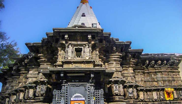 richest temples of india,padmanabhaswamy temple,kerala,tirupati venkateswara temple,andhra pradesh,saibaba shrine,shirdi,vaishno devi temple,jammu,siddhivinayak temple,mumbai