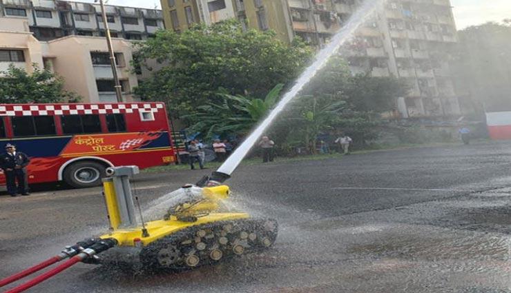 mumbai fire,mumbai,shopping centre,mumbai borivali,fire in mall,robot,news ,मुंबई, शॉपिंग सेंटर में लगी आग