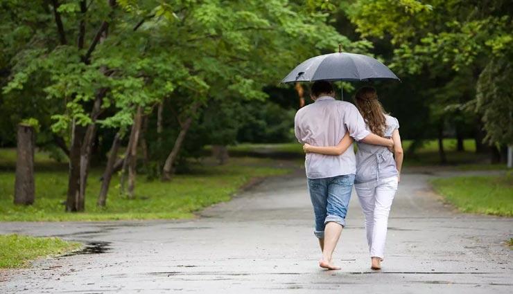 relationship tips,relationship tips in hindi,romantic rainy moments,tips to make moments romantic ,रिलेशनशिप टिप्स, रिलेशनशिप टिप्स हिंदी में, बरसात के रोमांटिक पल, रोमांटिक पल बनाने के तरीके