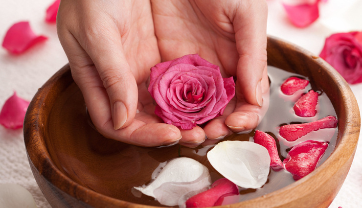 benefits of using gulab jal,rose water beauty benefits,gulab jal for skin,gulab jal for hair,skin care tips,hair care tips,rose water benefits,beauty tips,beauty hacks