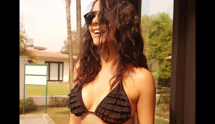 PICS- Ruhi Singh Brings in New Year With Bikini Pics For Fans