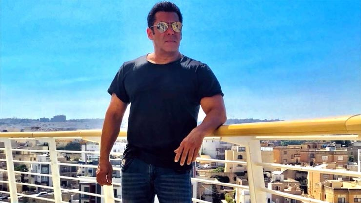 david dhawan,rohit dhawan,super hero,Salman Khan,Hrithik Roshan,bollywood,bollywood news hindi,bollywood gossips hindi ,डेविड धवन,रोहित धवन,सुपर हीरो,सलमान खान,ऋतिक रोशन,बॉलीवुड खबरे हिंदी में