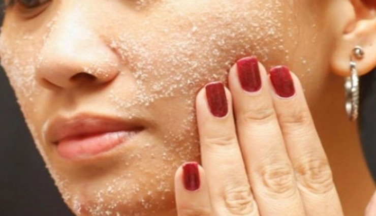 5 Amazing Uses of Salt To Get Glowing Skin and Nails