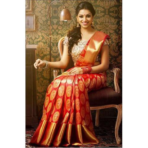 latest trending dress,trending dresses for festival,fashion tips ,फैशन टिप्स, ट्रेंडिंग फैशन, पारंपरिक परिधान, महिलाओं के परिधान