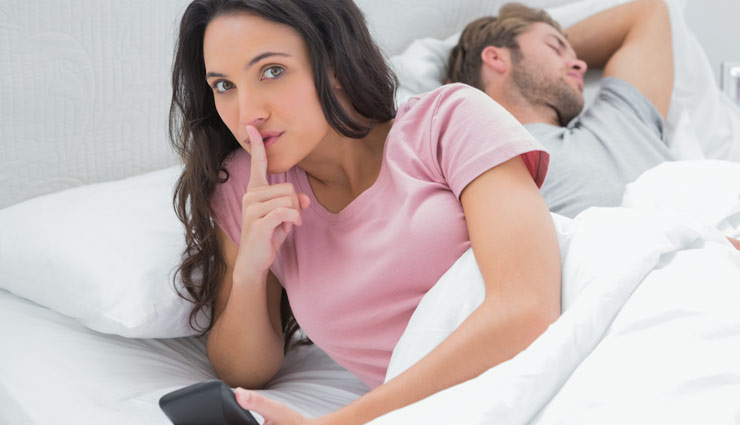 अपने पति से ये 5 बातें छिपाकर रखती है बीवियां, जानकर रह जाएँगे हक्के-बक्के