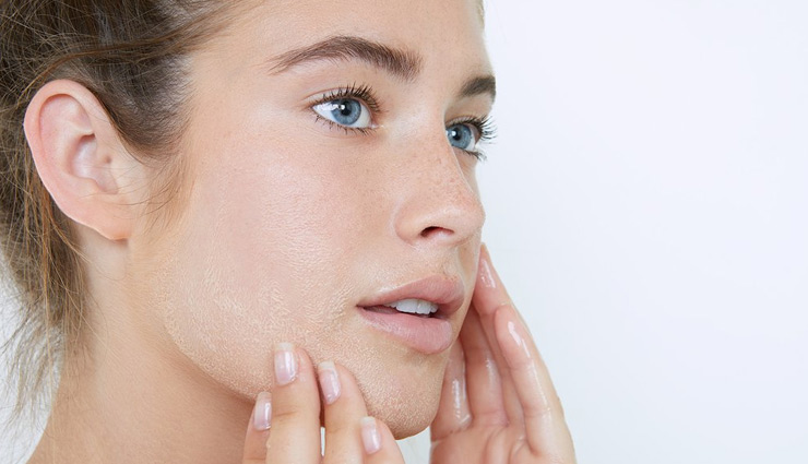 इस तरह रखें अपनी सेंसेटिव त्वचा का ख्याल, सावधानी रखने में ही समझदारी है