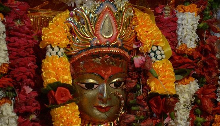 वाराणसी में स्थित है मां शैलपुत्री का सबसे प्राचीन मंदिर, यहाँ होती है हर मुराद पूरी