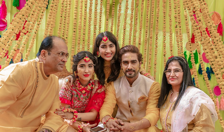 sheena bajaj,rohit purohit,sheena bajaj-rohit purohit haldi pics,entertainment news