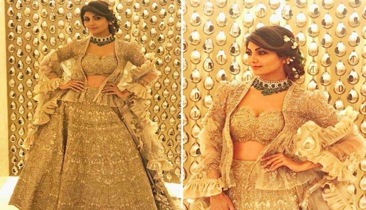 fashion tips,fashion tips in hindi,lehengas from bollywood actresses,celebrity fashion ,फैशन टिप्स, फैशन टिप्स हिंदी में, बॉलीवुड डीवाज़ के लहंगों का लुक, सेलेब्रिटी फैशन