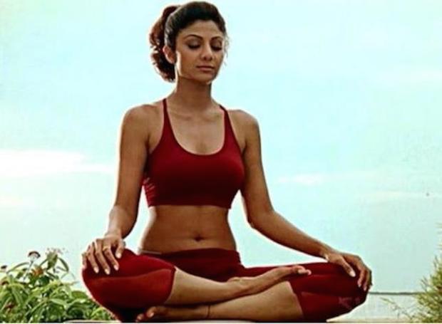 Shilpa Shetty,waist like shilpa shetty,fitness tips ,हेल्थ टिप्स, हेल्थ टिप्स हिंदी में, घरेलू उपाय, पतली कमर पाने के उपाय, फिटनेस टिप्स, शिल्पा शेट्ठी जैसी कमर