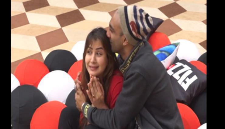 बिग बॉस 11 : हिना के रोने का शिल्पा ने उड़ाया मजाक, देखे विडियो