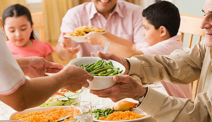 स्वाद के चक्कर में खाया ज्यादा खाना जाने कैसे पहुंचाता है आपको नुकसान
