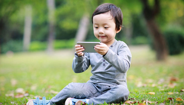 4 Major Side Effects of Phones on Child