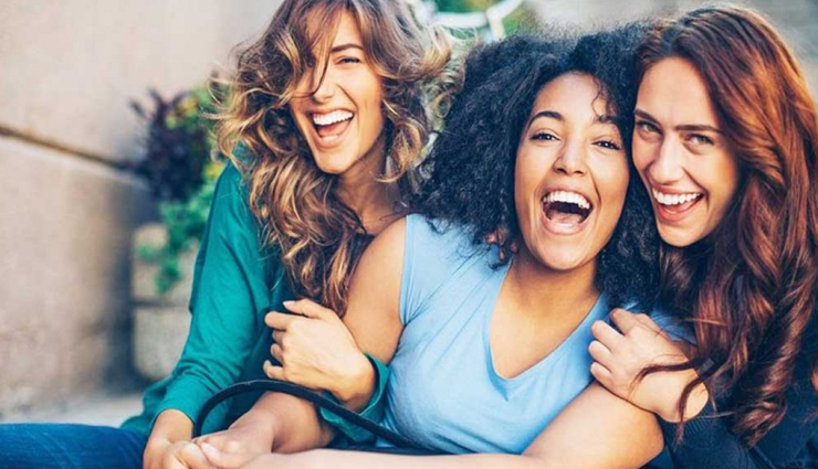 showing happiness on friends success,being happy for friends success,mates and me,relationship tips