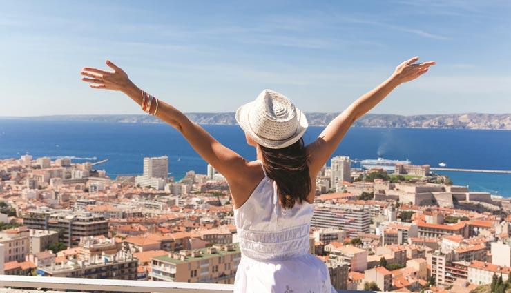 लेना चाहते हैं शादी से पहले घूमने का रोमांच, इन जगहों का चयन कर उठाए आनंद