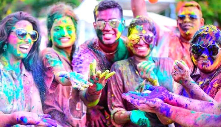 Holi 2019- 5 Ways Holi Colors Can Damage Your Skin