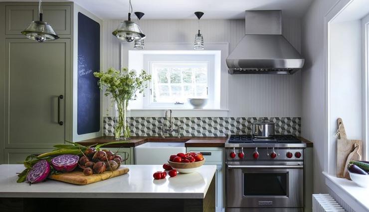 अपने छोटे किचन को बनाना चाहते है बड़ा, जरूर आजमाकर देखें ये टिप्स
