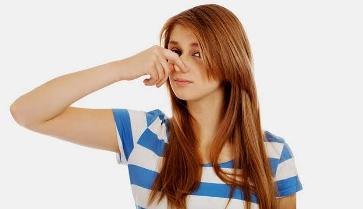 5 Easy Remedies To Get Rid of Smelly Hair