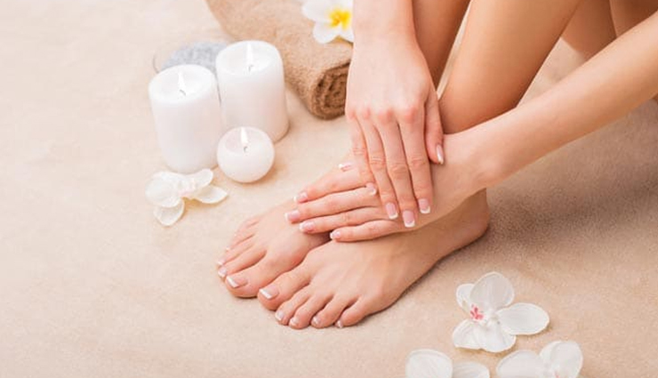 6 Effective Home Remedies To Get Soft Feet During Winters