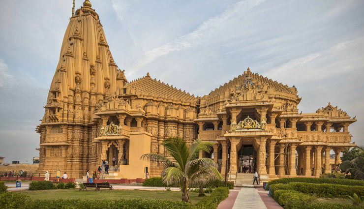 Gujarat Somnath Temple Was The Attraction For Andhecha Raja 2010 Theme