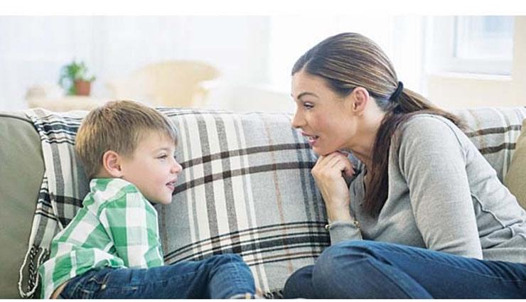 अपने बेटों को सिखाएं ये बातें, बनेगा एक जिम्मेदार इंसान