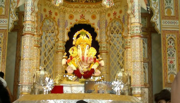 Ganesh Chaturthi 2018 : महाराष्ट्र के इन मंदिरों में है गणपति का वास, गणेश चतुर्थी पर होता है विशेष आयोजन