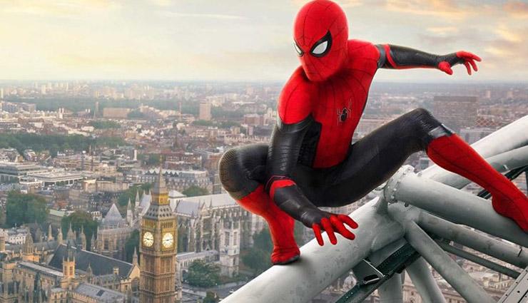 तीन भाइयों ने फिल्म देखकर स्पाइडरमैन बनने की सोची, खुद को कटवाया मकड़ी से, हुआ ये हाल