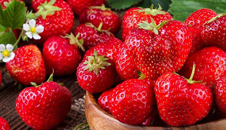 skin care tips,strawberry,strawberry face pack,beauty,beauty tips,strawberry for skin ,स्ट्रॉबेरी के बने ये फेस पैक