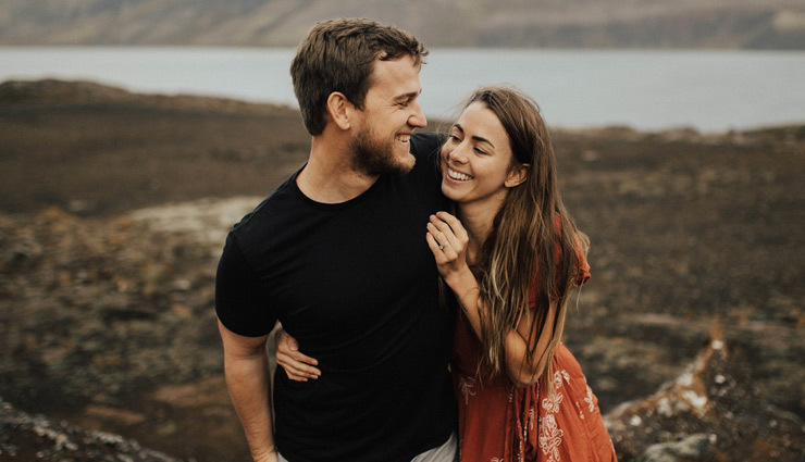 partner interest,5 signs to know your partner,mates and me,relationship tips ,आपके पार्टनर को नही है आप में इंटरेस्ट जाने इन 5 तरीको से , रिलेशनशिप टिप्स