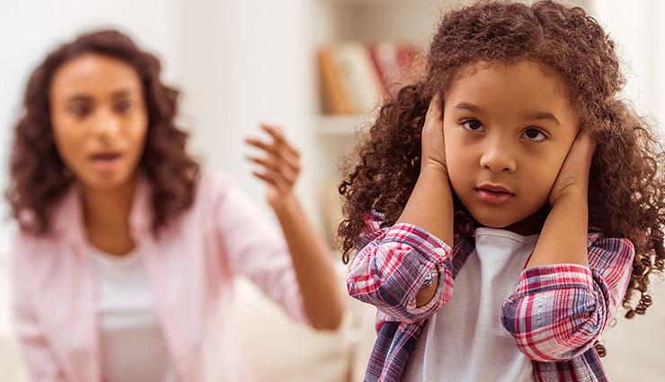 जिद्दी बच्चे को और अड़ियल बना देती है पेरेंट्स की ये गलतियां, इन तरीकों से मनवाएं अपनी बात
