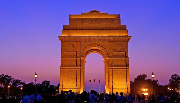 दिल्ली की इन 4 जगहों पर कॉलेज स्टूडेंट्स लें घूमने का मजा, बनेगी यादें
