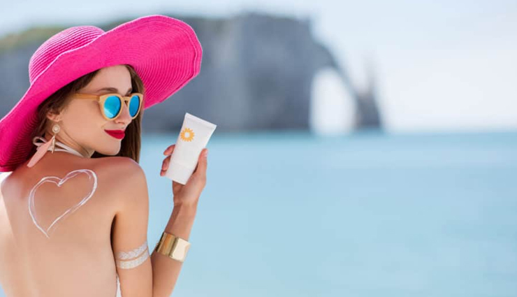 Here are 15 Natural Remedies To Treat Sunburn