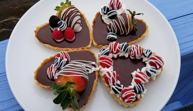 valentines day recipe,heart shaped chocolate tarts,chocolate tart recipe,dessert recipe,snacks recipe