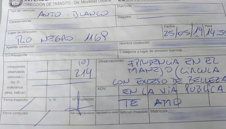 invoice for beauty,uruguay,pesendu,flirty traffic policeman,beautiful girl,social media ,खूबसूरती की वजह से चालान, उरुग्वे, पेसेंदू शहर, ट्रेफिक पुलिसकर्मी का इजहार, खूबसूरत लड़की, सोशल मीडिया