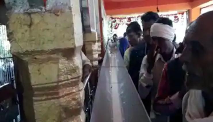 दिवाली के दूसरे दिन इस मंदिर में बनता है दूध का तालाब, जानें क्या है वजह