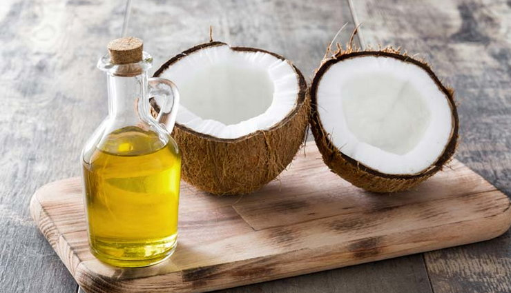 home remedies,home remedies for long eyelashes,long eyelashes,beauty tips,skin tips,Olive Oil,vaseline,coconut oil,eggs,green tea,coconut oil and lavender essential oil,aloe vera,almond oil,castor oil,brush the eyelashes,beauty tips