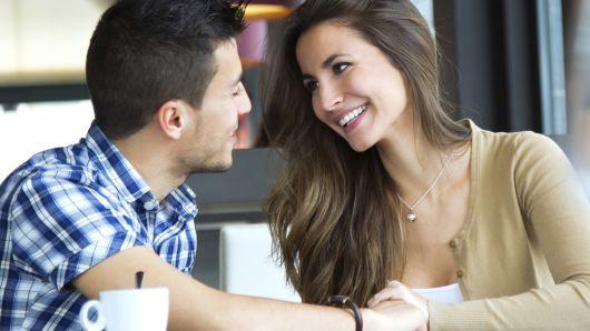 first date,dating tips ,डेटिंग टिप्स, फर्स्ट डेट में होने वाली गलतियाँ, डेटिंग मिस्टेक्स, डेटिंग पर इम्प्रेस करने के तरीके