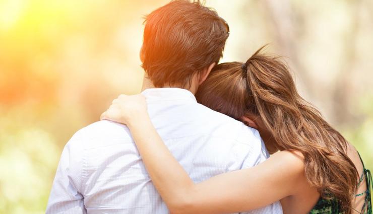 दिल से निभाएं रिश्ते दिमाग से नहीं, जानें क्या करें इसके लिए