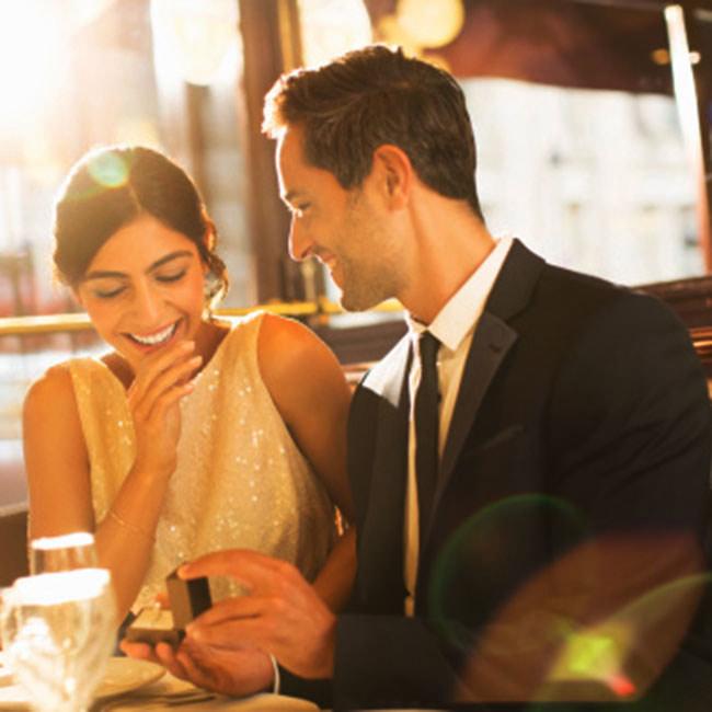 courtship period,things for courtship period,relationship tips ,रिलेशनशिप टिप्स, सगाई से शादी का वक़्त, इन बातों का ध्यान बहुत जरूरी, रिश्तों में समझ