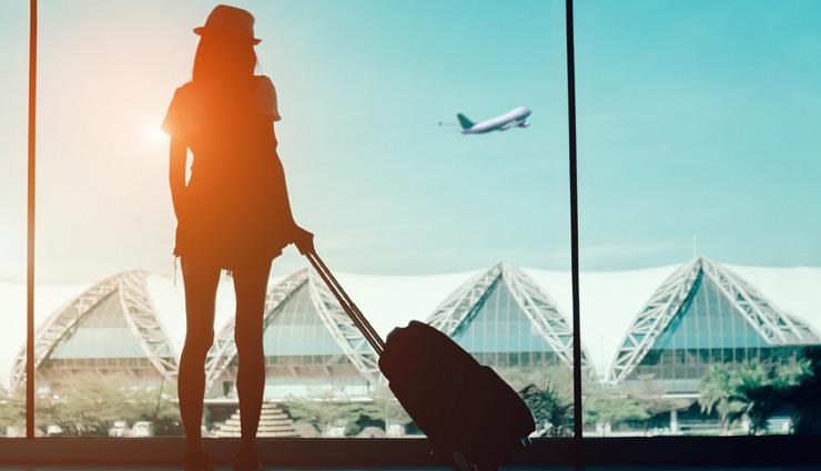 हवाई जहाज यात्रा के दौरान ये लापरवाही कर सकती हैं आपका नुकसान, जानें