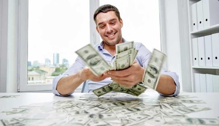 अपार धन प्राप्ति के लिए राशि अनुसार करें ये उपाय, एक बार जरूर आजमाकर देखें