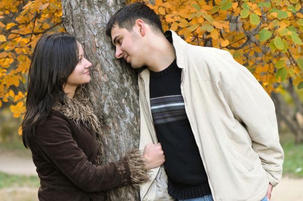tips to impress wife,relationship tips ,पत्नी को मनाना, पत्नी को उपहार, कोलाज, फूलों का गुलदस्ता,