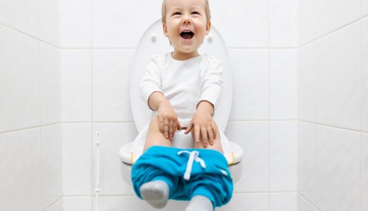 parenting tips,parenting tips in hindi,toilet training,toilet training tips,child habit to use toilet ,परेंटिंग टिप्स, परेंटिंग टिप्स हिंदी में, टॉयलेट ट्रेनिंग, टॉयलेट ट्रेनिंग टिप्स, बच्चों में टॉयलेट का इस्तेमाल करने की आदत