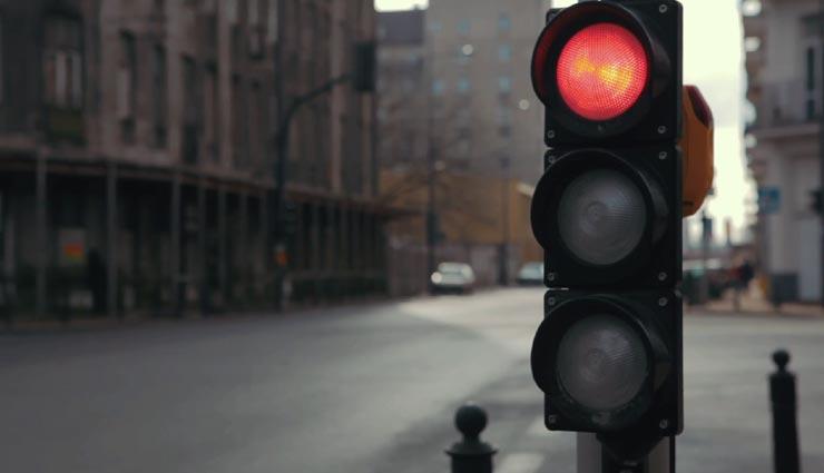 traffic light,traffic light colors,interesting facts,facts related traffic light colors ,ट्रैफिक सिग्नल, ट्रैफिक सिग्नल के रंग, रोचक तथ्य,  ट्रैफिक सिग्नल के रंग का कारण