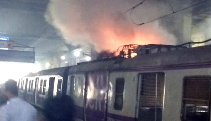 VIDEO- Panvel-CSMT local train catches fire at Vashi Station in Mumbai